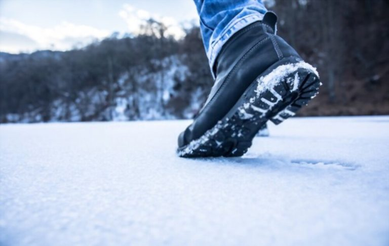 Can You Wear Leather Boots In Snow?