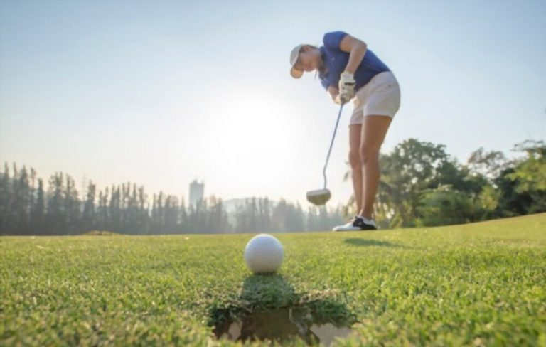 Top 17 best womens golf shoes you should consider in 2021?