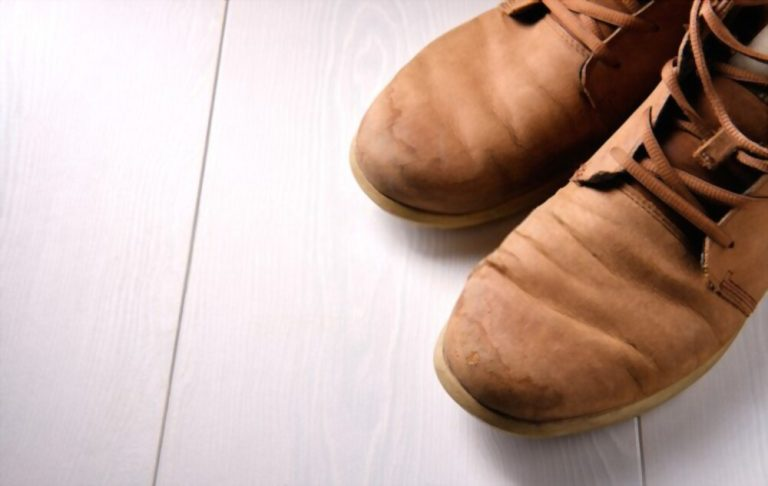 how to get tar off shoes? (Quick Few Steps)