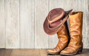 how to wear cowboy boots in the summer e1619687055449